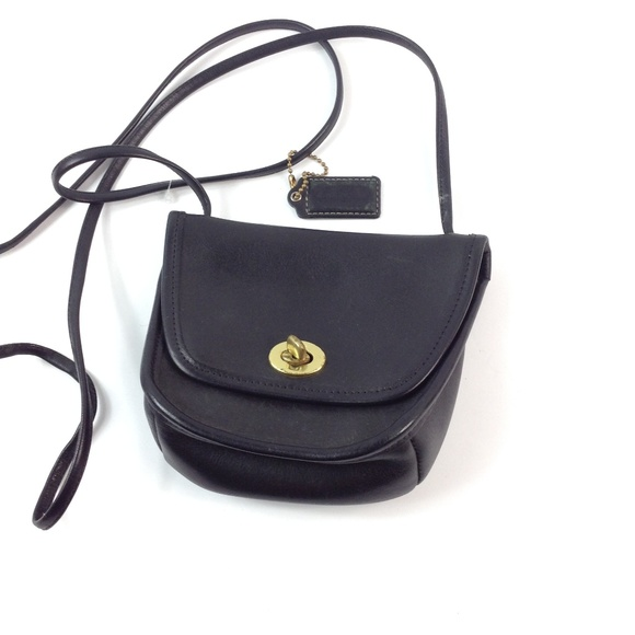 Coach Handbags - Vintage Coach crossbody bag